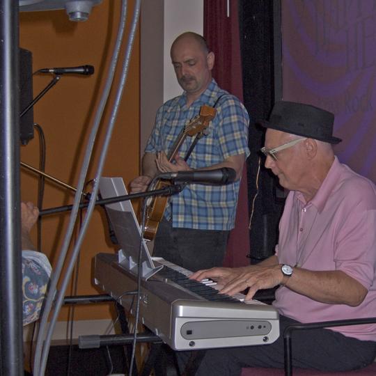 Ron + Alec perform, 2009